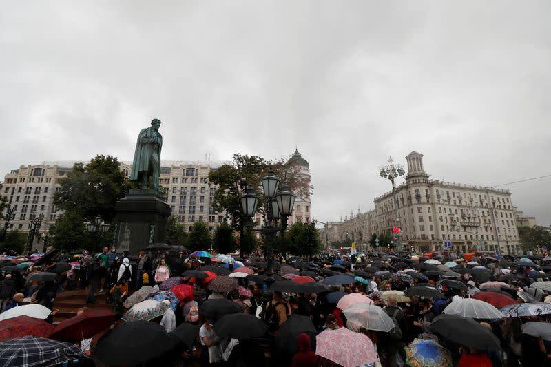 People protest against amendments to Russia's Constitution in Moscow