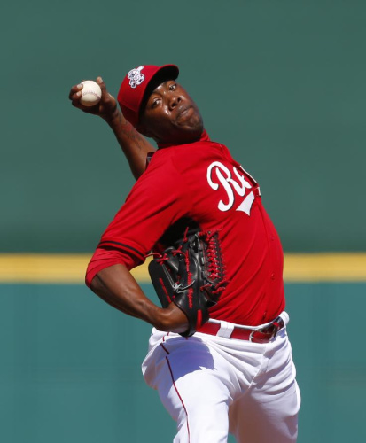 Reds' Chapman cleared to throw batting practice