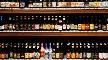 Los bares belgas agudizan el ingenio y las medidas contra el robo de copas de cerveza