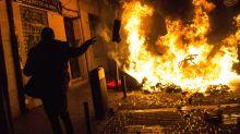 Las imágenes que han dejados los disturbios en Lavapiés tras la muerte de un mantero