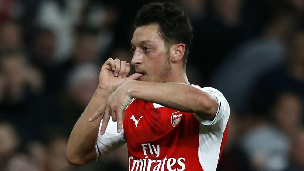 Ozil shelves Arsenal contract talks until summer
