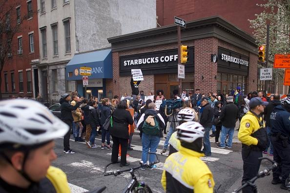 Starbucks CEO Says Coffee Managers Will Have 'Unconscious Bias' Training