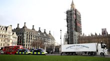 Shellfish lorries park up near 10 Downing Street amid Brexit export issues
