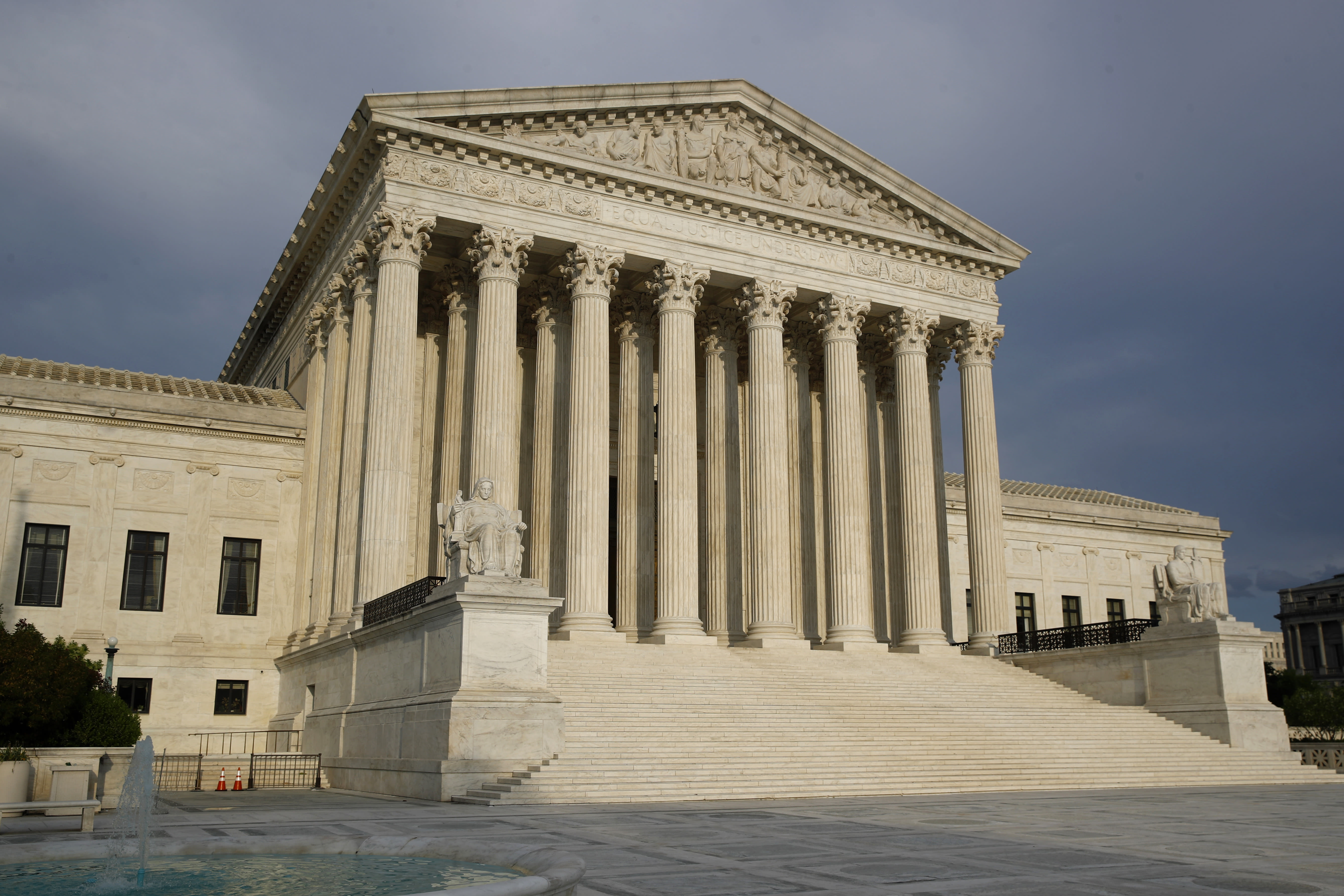 Supreme Court rules against N.Y. virus restrictions