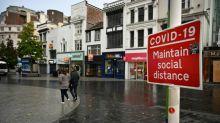 Virus: l'Angleterre ferme les pubs à Liverpool et réactive des hôpitaux de campagne