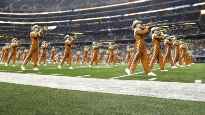 UT's solution to 'Eyes of Texas' issue ... 2 bands