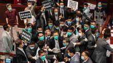 聚焦港版國安法:香港街頭再現暴力 警方部署水砲
