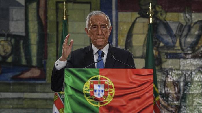 Portugal : le président Marcelo Rebelo de Sousa réélu dès le premier tour malgré une abstention record