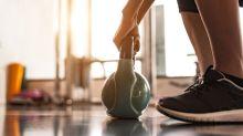 Training Zuhause: Fit werden (oder bleiben!) mit der Kettlebell