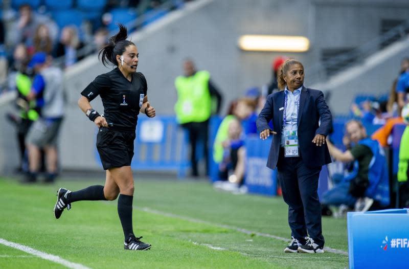 La Liga de Campeones femenina tendrá VAR desde cuartos de final