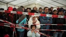 Europa, mergulhada em divisões cinco anos após crise migratória