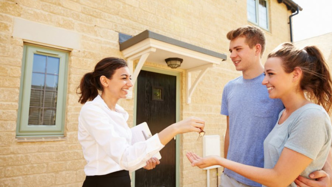 Myths vs Facts About Engaging a Property Agent