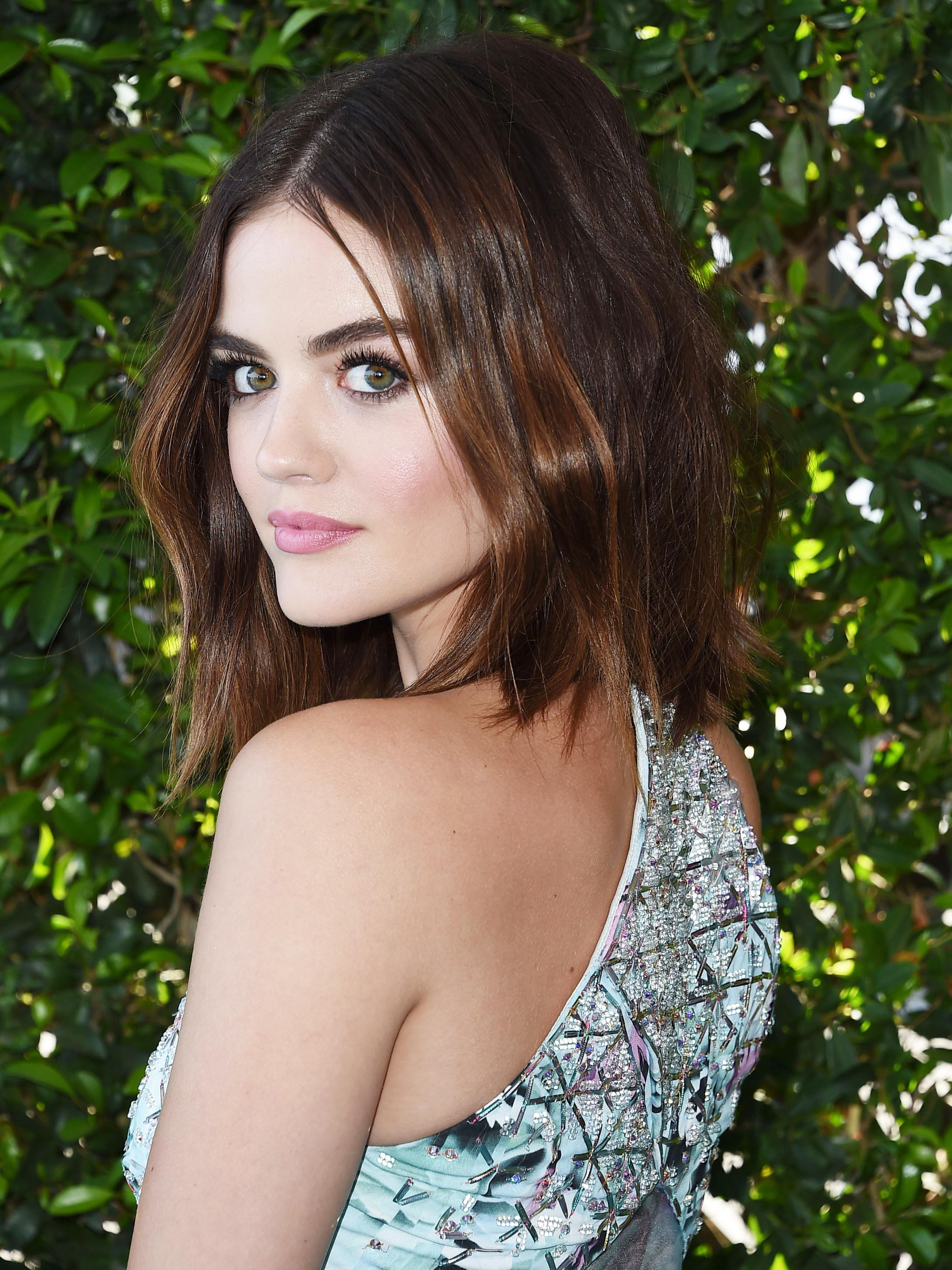 lucy hale age - HD2000×2745