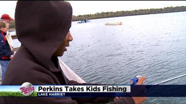 Twins Players Take Lucky Kids Fishing
