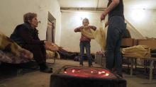 Haut-Karabakh: les habitants de Stepanakert improvisent une boulangerie souterraine