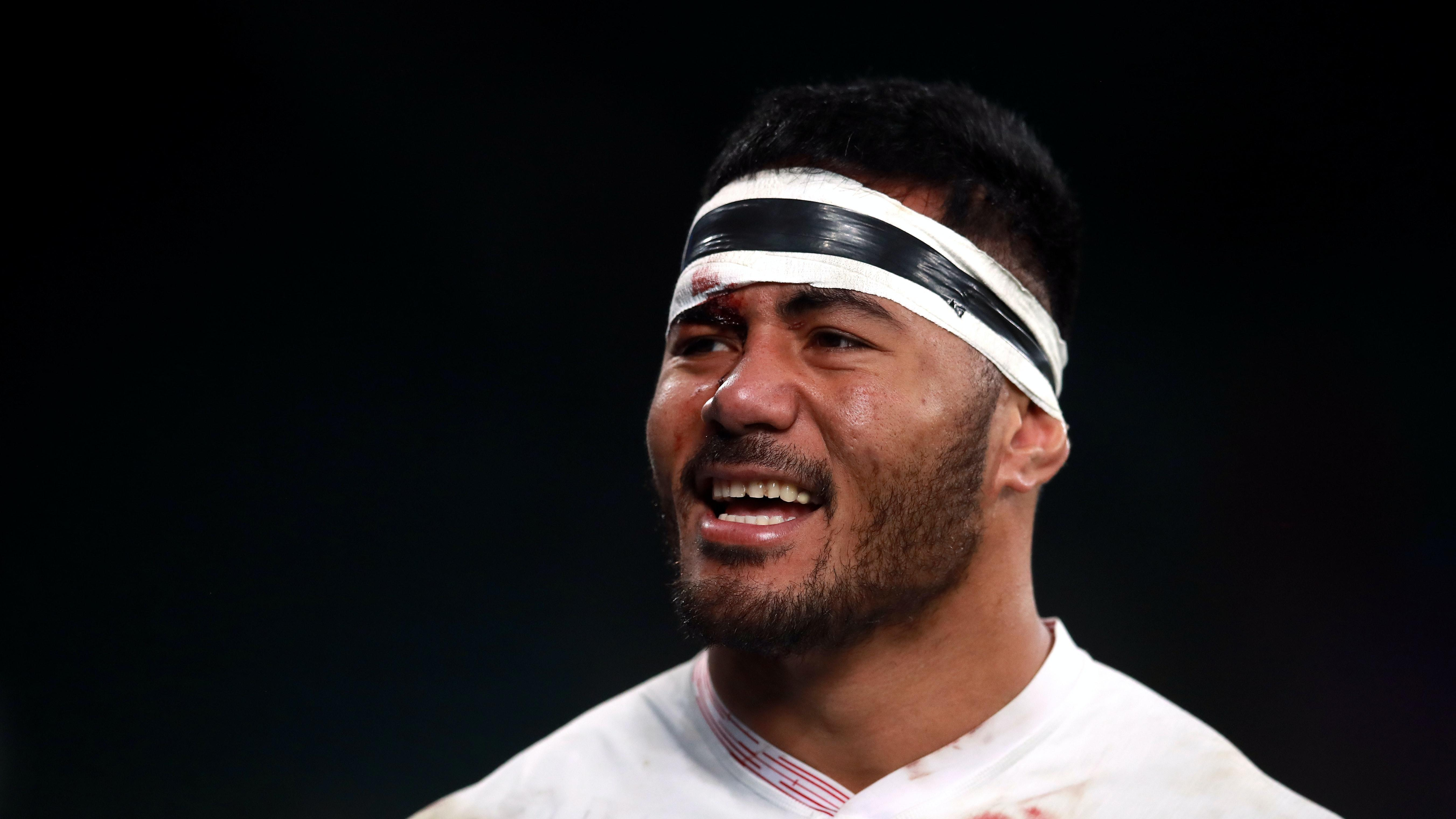 Manu Tuilagi completes move to Sale Sharks