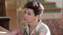El camino al Oscar de 'Judy': Renée Zellweger recibe una ovación de dos minutos que la emociona hasta las lágrimas