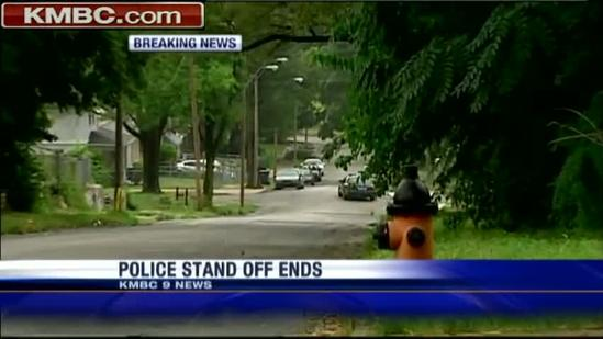 Police standoff at 46th, Wabash ends peacefully