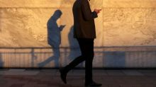 Global smartphone output to plunge by record 16.5% in June quarter - TrendForce