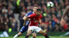 Premier League round-up: Manchester United beat Chelsea to give Spurs a chance
