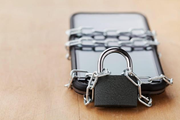 UK plans to ban sales of locked mobile phones