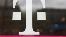T-Mobile beats phone subscriber estimates