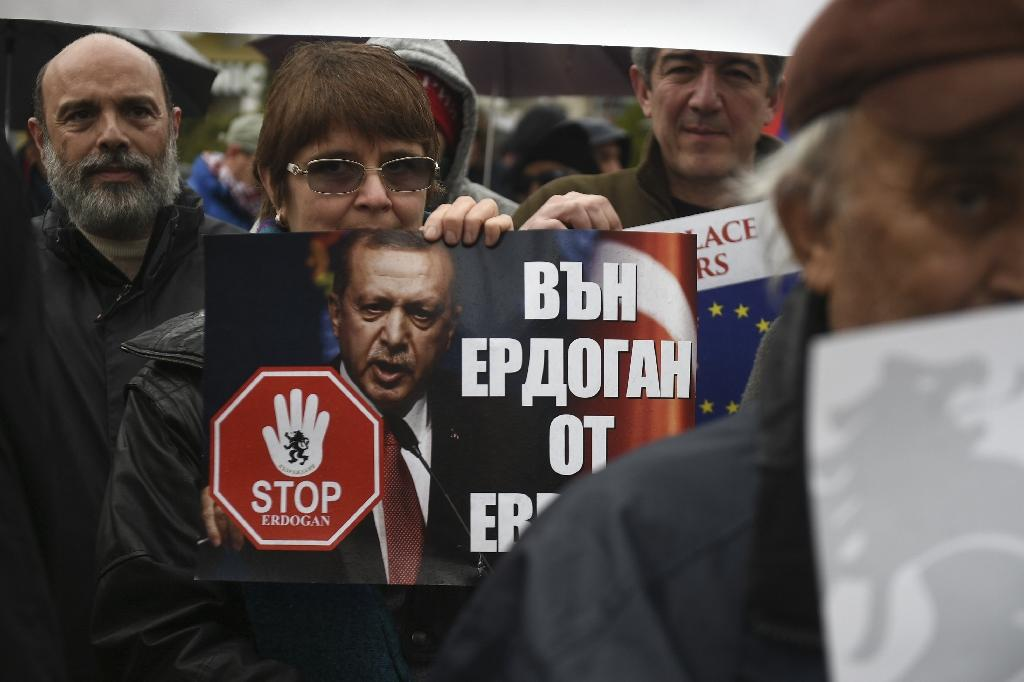 A demonstration against the upcoming visit of Turkish President Tayyip Erdogan in Varna, Bulgaria on Monday (AFP Photo/STR)