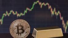 """Bitcoin, oro e dollaro: perché sono i beni """"rifugio"""" del momento"""