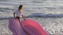 La colchoneta rosa con forma de ataúd: una 'locura' que va camino de ser real