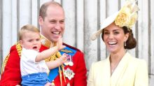 Kate Middleton, Prince William and Kids Surprise Passengers on Flight to Scotland to Visit Queen