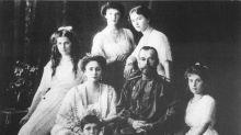 Restos do último czar da Rússia continuam a dividir, 100 anos após sua morte
