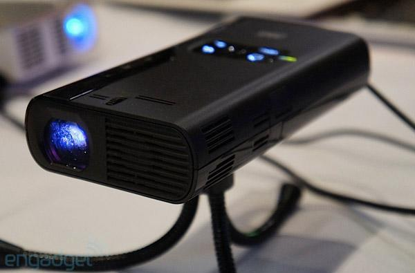 3M MP410 and MP220 Mobile Projectors hands-on