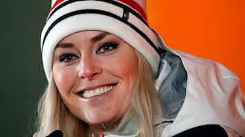 Lindsey Vonn delays retirement plans