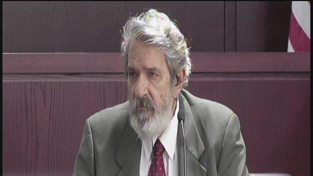 Retired vet takes stand in murder trial