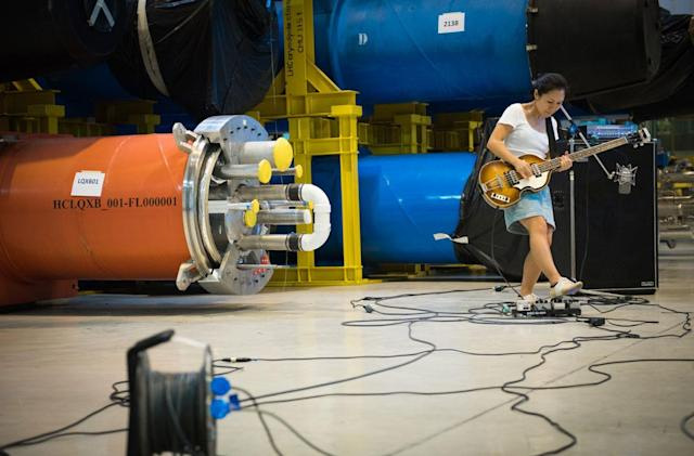 Watch the rock band Deerhoof experiment with sound at CERN