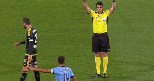Foot - Arbitrage - Le Championnat d'Australie devient la première ligue au monde à faire appel à l'assistance vidéo