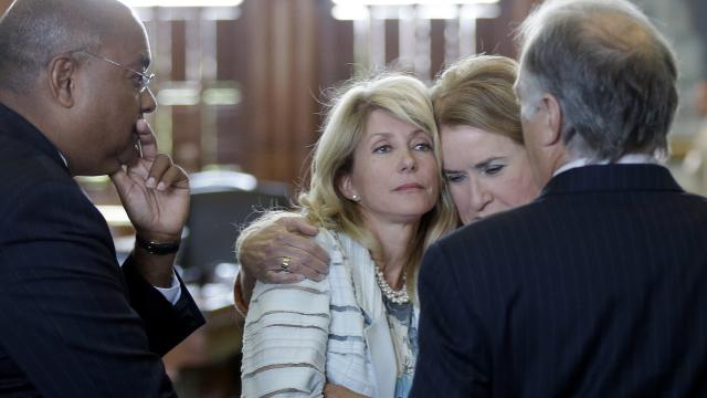 Chaos and Filibuster Kills Texas Abortion Bill