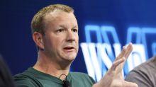 Por qué el cofundador de WhatsApp pide sin parar que borres tu cuenta de Facebook