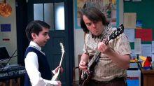 Uno de los niños de Escuela de Rock termina en prisión por robar guitarras