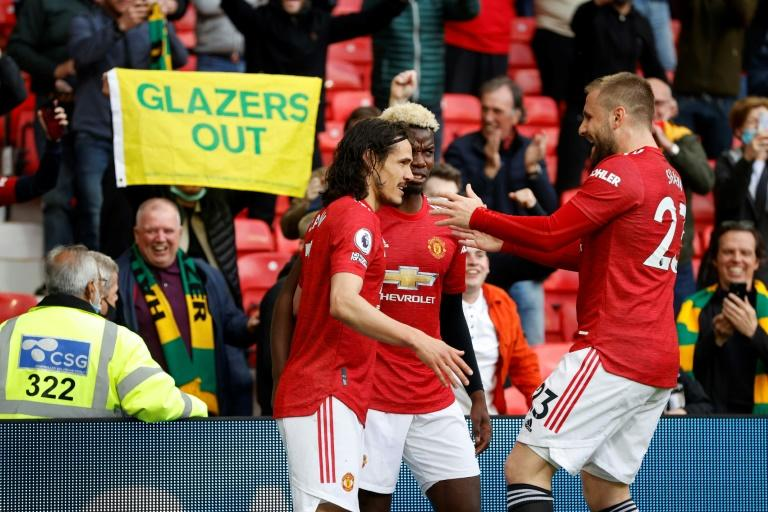 Manchester United Stay Hot, Beat Leicester City 2-0 in