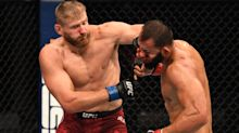Jan Blachowicz finishes Dominick Reyes in 2nd round to claim vacant light heavyweight title