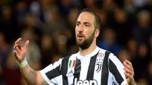 Higuain arrives in Miami to finalise MLS move