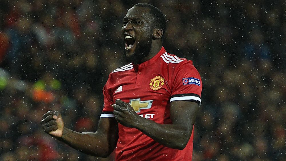 """""""Lukaku superdotato"""": coro razzista dei tifosi del Manchester United"""