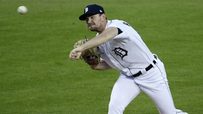 Tigers reliever Alexander sets MLB record, Dodgers' Kershaw dazzles in 2020 debut
