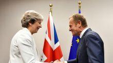 """Brexit: """"feu vert"""" pour préparer à 27 des discussions commerciales avec Londres"""