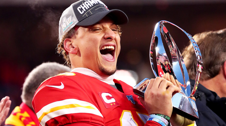 'First $500m player': Mahomes signs richest deal in sports history