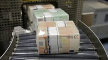 Índice dólar sube a máximos de casi tres años por mayor apetito por riesgo