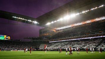 Estádio do Corinthians tem falhas e infiltrações
