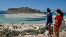 Alfombra roja en Grecia para el regreso de los turistas