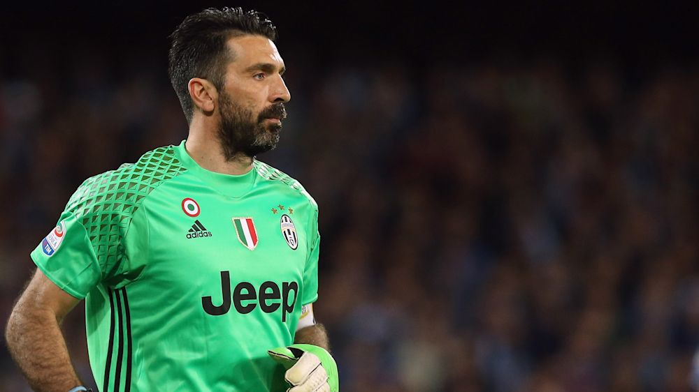 "Juventus-Keeper Buffon: ""Das Alter auf deinem Ausweis ..."""